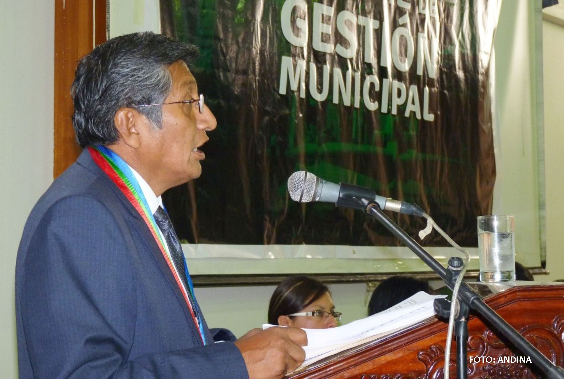 Alcalde Hugo Quispe, sigue demostrando altanería. (AUDIO)