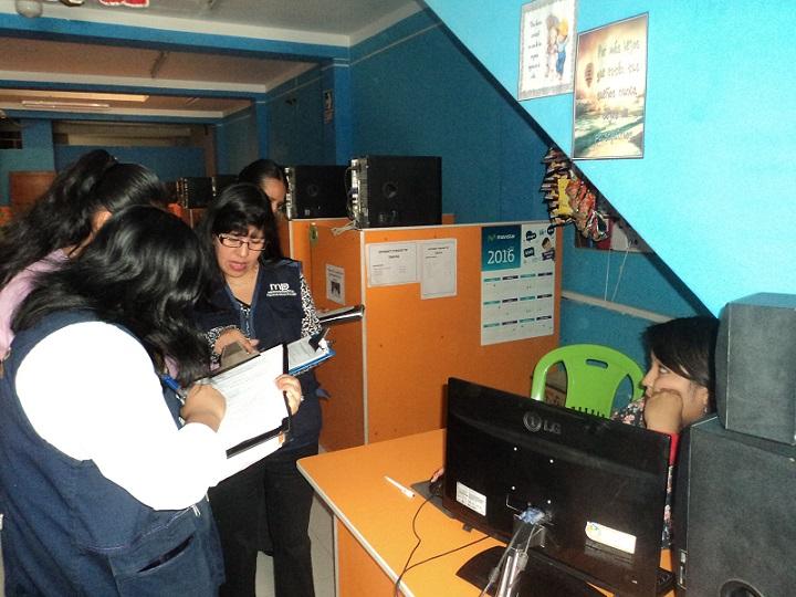 Fiscalías de familia intensifican operativos a cabinas de internet.