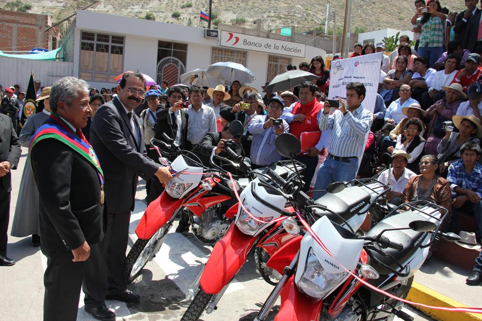 TIC Moquegua equipa a UGEL Sánchez Cerro con nueve motocicletas.