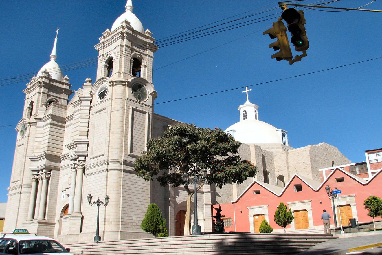 """Victor Casanova: """"Monseñor Garaycoa, nos vendió un cuento que no era cierto"""" (AUDIO)"""