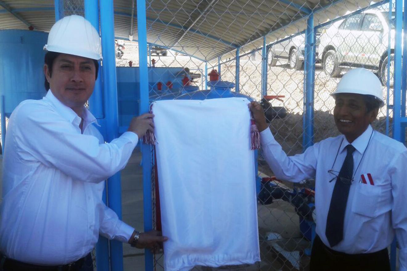 Viceministro de Vivienda entregó S/. 2.5 Millones para mejorar servicio de la EPS Moquegua. (FOTOS)