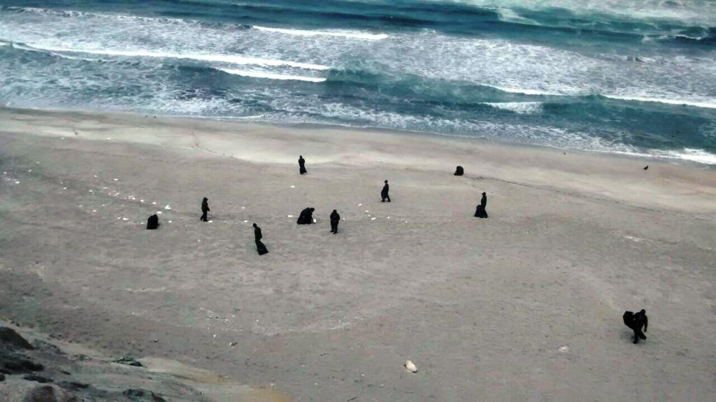 Limpian playa Pozo de Lizas.