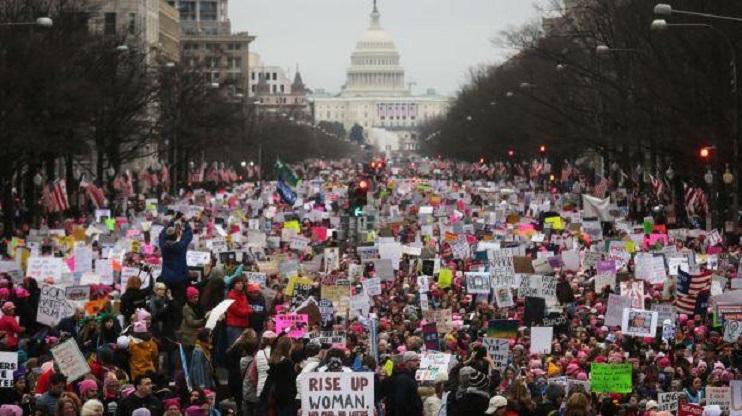 MULTITUDINARIA PROTESTA CONTRA TRUMPS EN EE.UU.