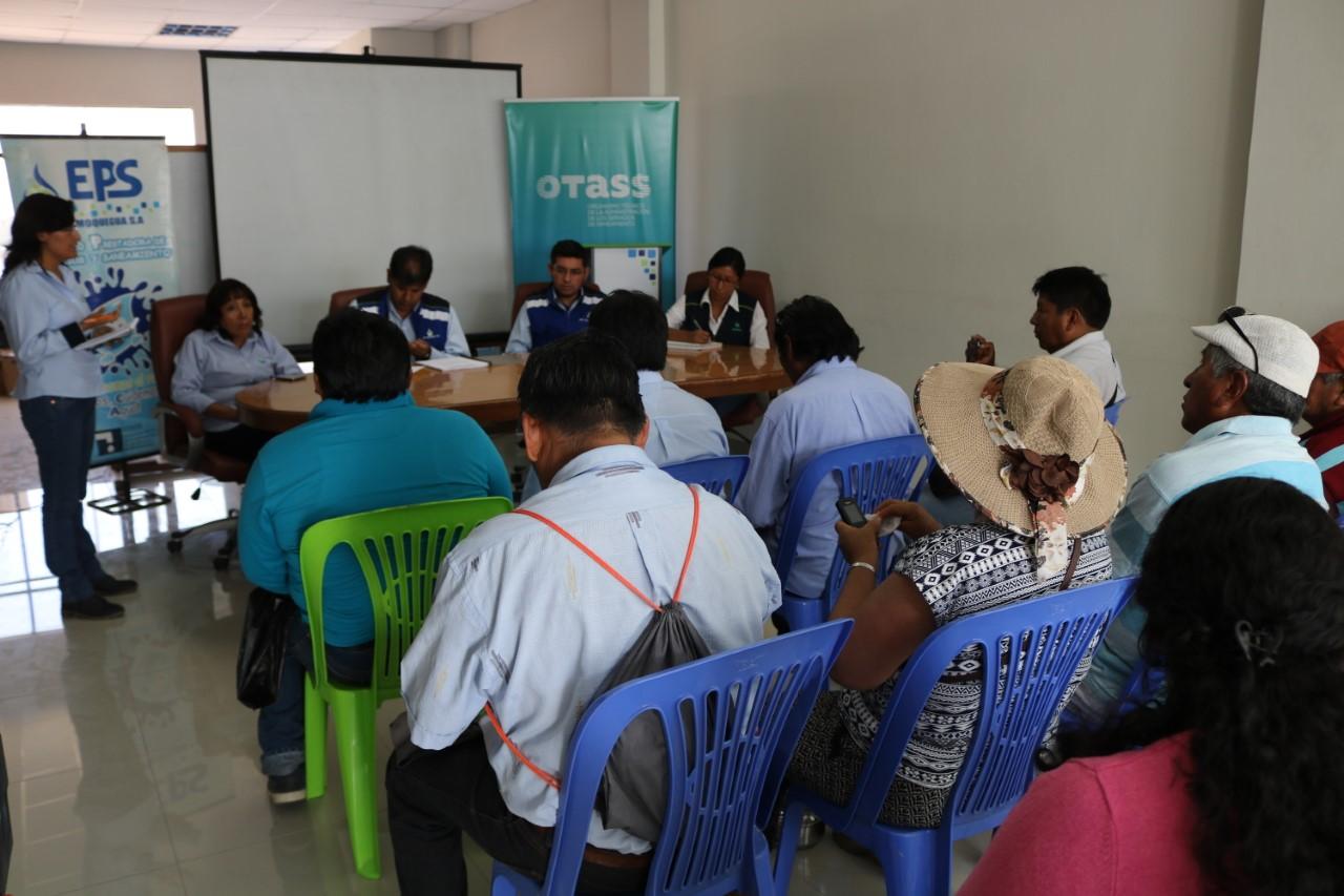 EPS Moquegua atendió a presidentes de juntas vecinales.