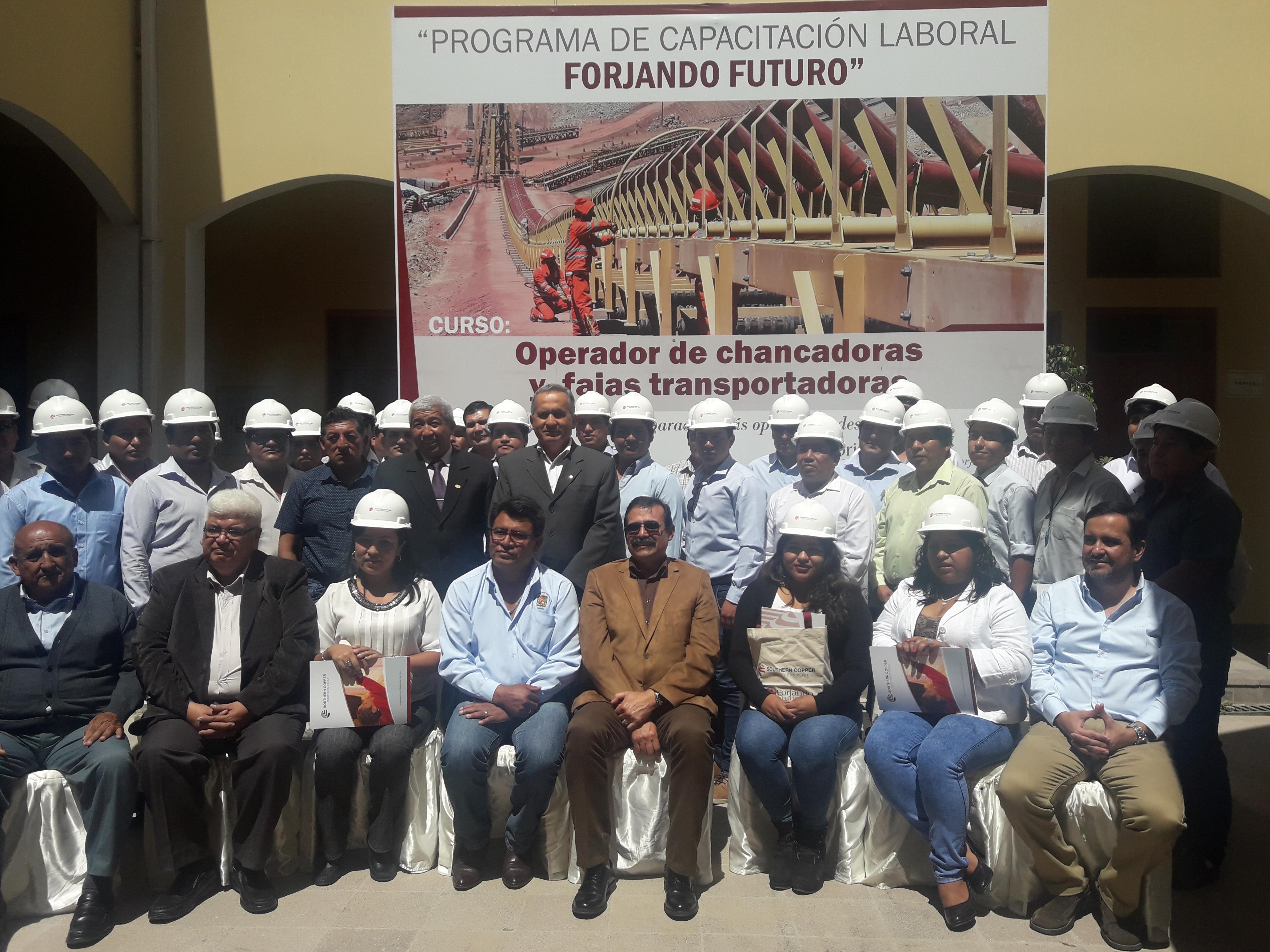 Jóvenes Torateños Certificados por TECSUP promovido por Southern Perú