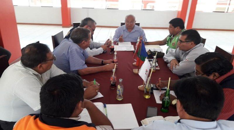 Presidente del CRD IPD Moquegua Francisco Ibañez se reunió con autoridades para garantizar las garantías para el partido Binacional vs Universitario