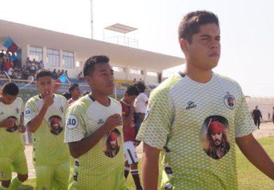 COPA PERÚ 2018: Momento en el que dos jugadores de Molinos el Pirata se lanzan fingiendo lesiones. (VIDEO)