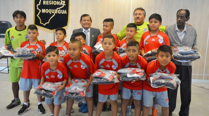 GRM apoya a niños deportistas que participarán en torneo nacional de fútbol