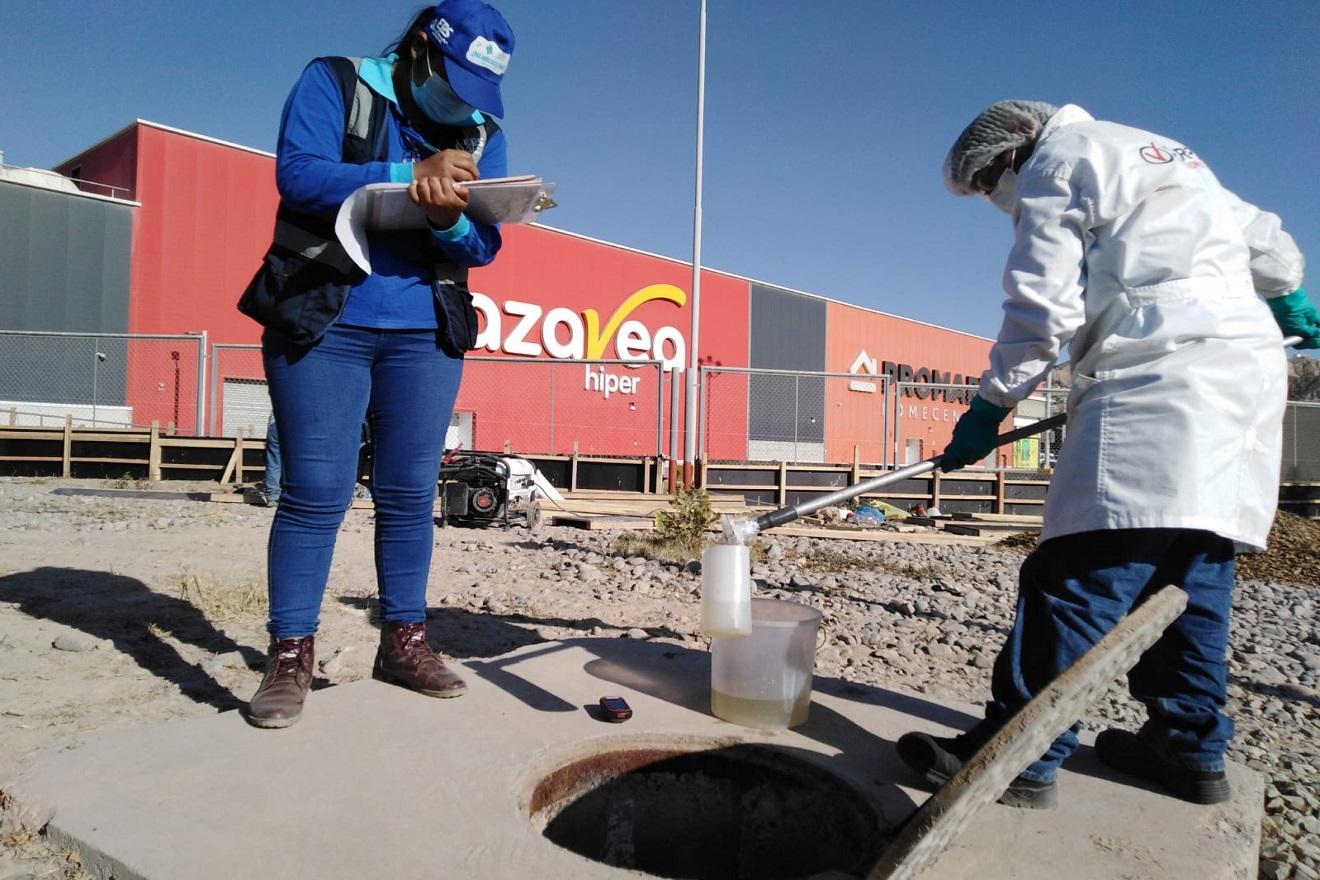 Eps Moquegua realizó operativo inopinado con prueba de agua residual a Usuarios No Domésticos