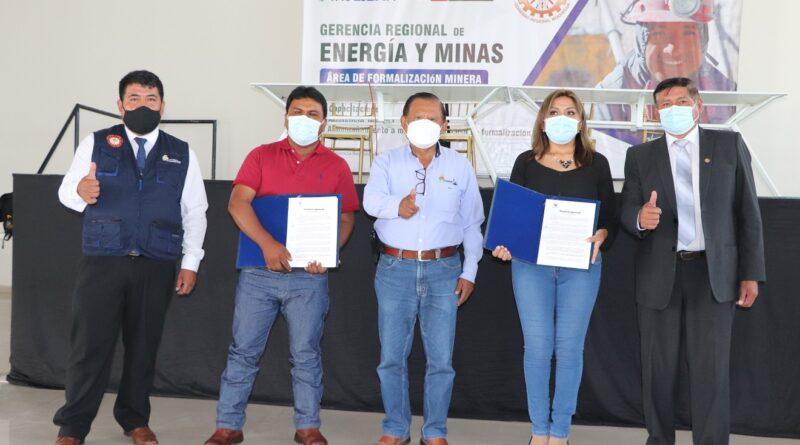 GORE Moquegua entregó resoluciones de formalización a pequeños productores mineros