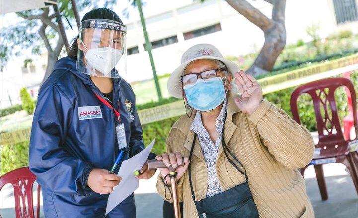 Red Amachay: Personas adultas mayores aseguran sentirse cuidadas y acompañadas con seguimiento telefónico y visitas domiciliarias en la emergencia sanitaria.